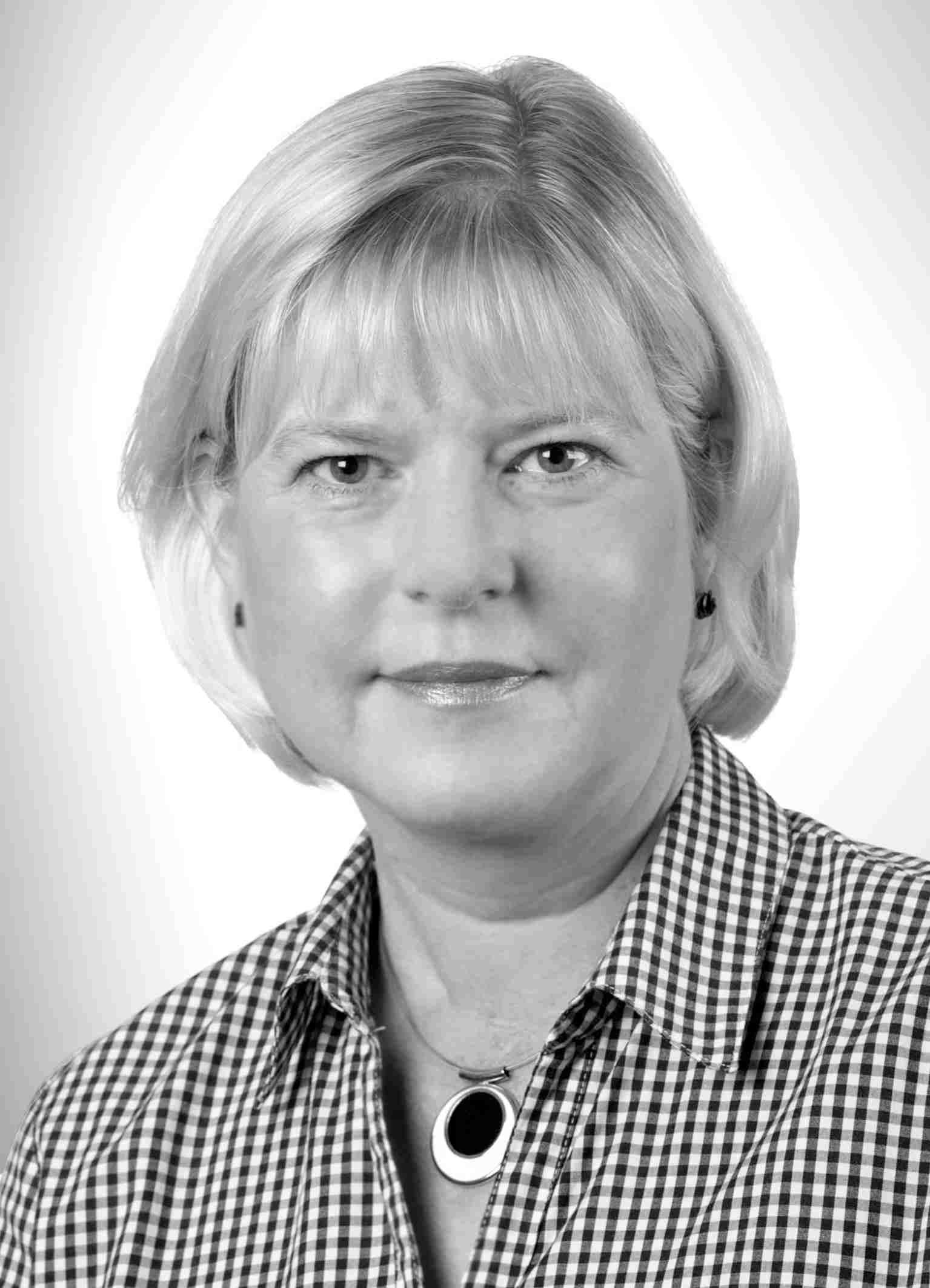<b>Martina Brüggemann</b>, Assistenz der Fachberater bei Ingenieurbüro Dünkel - passbild_mbr